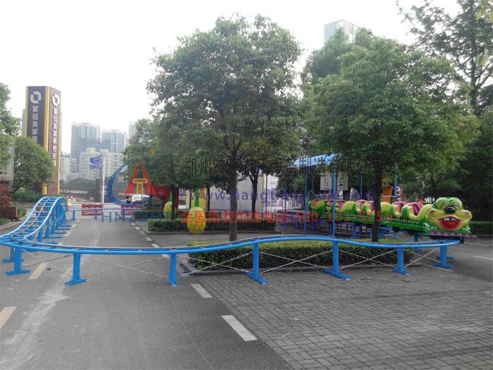 安装在重庆渝北的果虫滑车